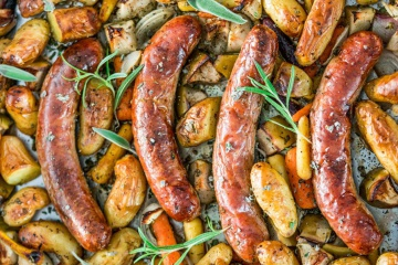 Baked Sausages with Apples